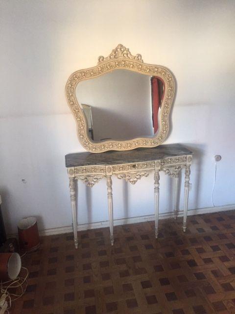 Credencia com espelho estilo Renascença