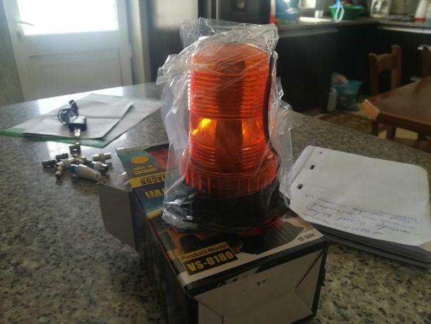Pirilampo led para máquinas ou tratores