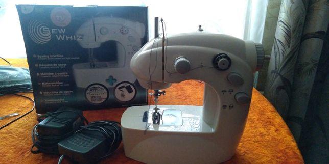Продам портативну швейную машинку новая от сети и на батарейках