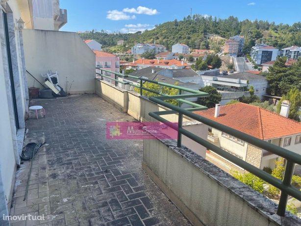 Apartamento T3 com Terraço ( Imóvel Banco)