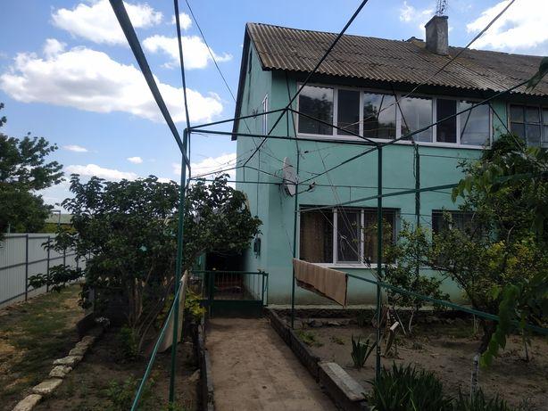 Продам  пол дома (1и2этаж)двух этажного дома