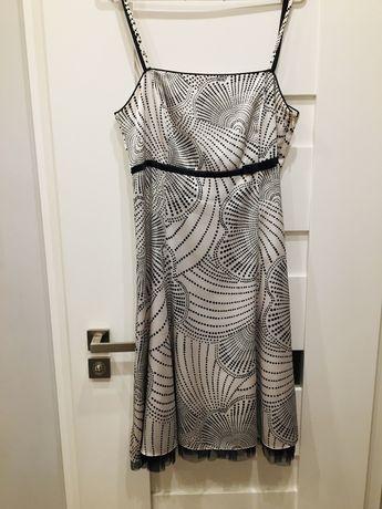 Sukienka wyjściowa regulowana
