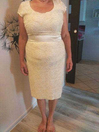 Piękna elegancka sukienka 42