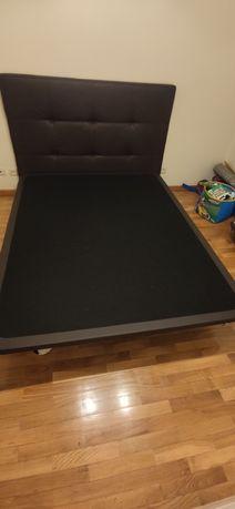 Cama com colchão 195x150 cm