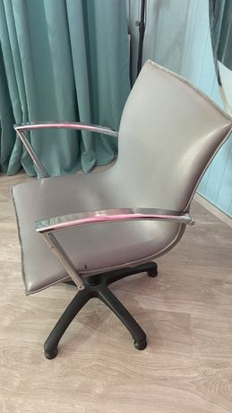 Cadeira cabeleireiro cinza
