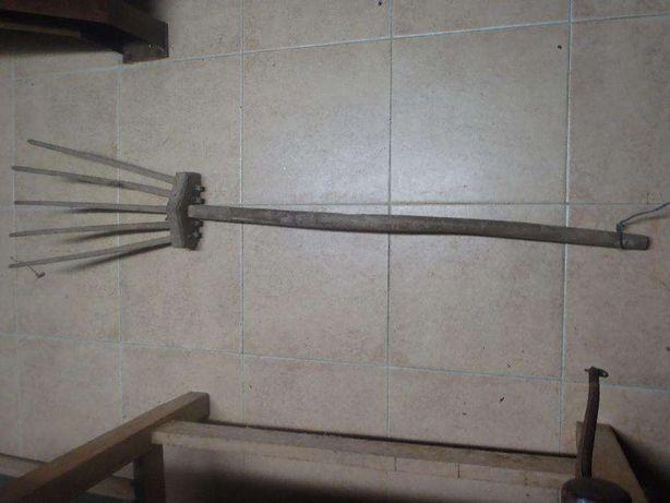 Forquilha grande em madeira