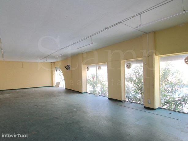 Linda A Velha - Loja 100 M2 - Centro Empresarial Excelent...