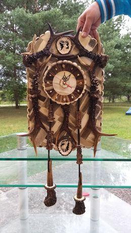 Zegar wiszący z poroża jelenia, rękodzieło