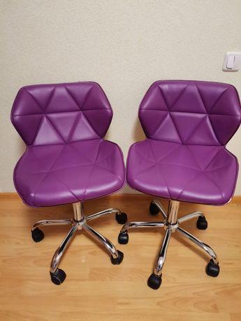 Продам крісла в хорошому, робочому стані