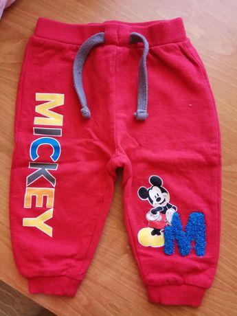 Spodnie spodenki czerwone rozmiar 74 disney jak nowe