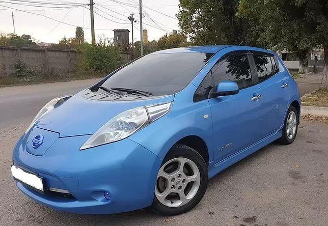 Разборка Nissan Leaf бампер фара редуктор зарядное сиденье дверь диск