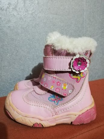 Фирменные зимние ботинки для девочки