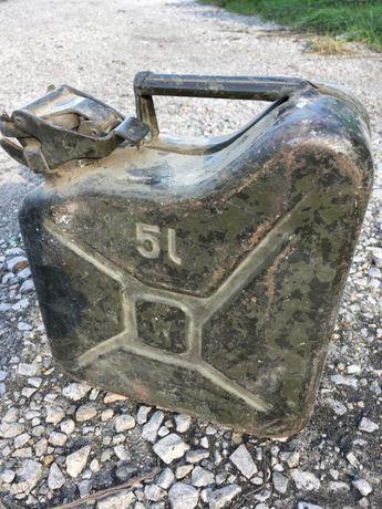 Stary karnister 5l retro metalowy