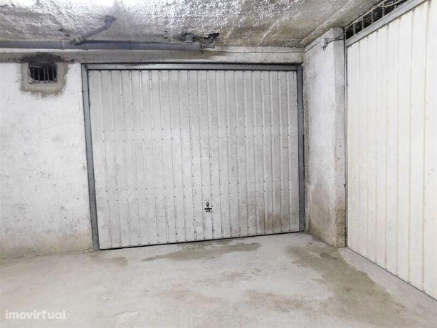 Garagem Privativa 28 São Romão Seia