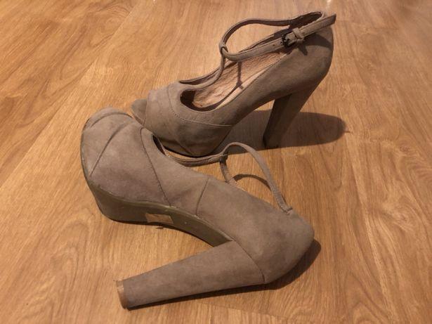 Sapatos Foreva 38