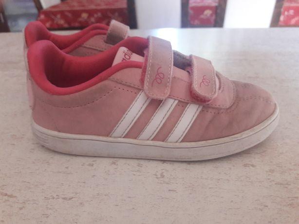 Adidaski firmy adidas.rozowe na rzepy.r.27.uzywane