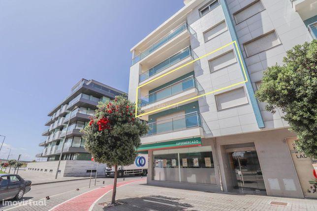Apartamento T2 com vista de Ria e Mar na Praia da Barra