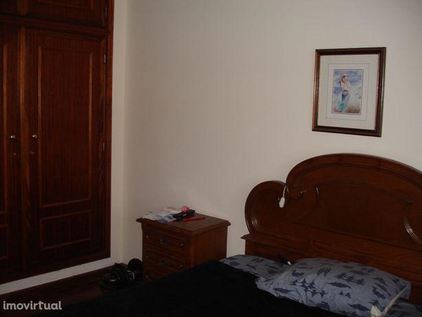 Arrendo quarto na Urbanização S. José a 3 minuto do IPCA