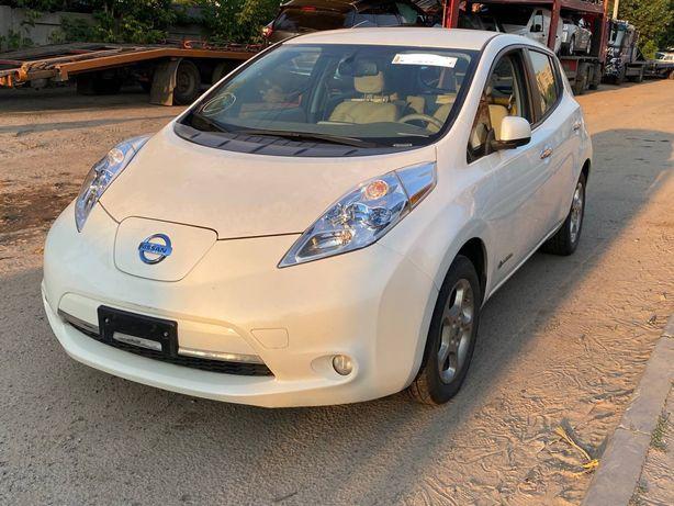 Разборка Nissan Leaf Usa бампер телевизор дверь ляда фонарь подрамник