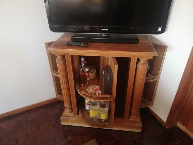Bar em madeira boa