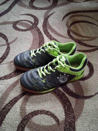 Футбольные кросовки для мальчика 10-12 лет