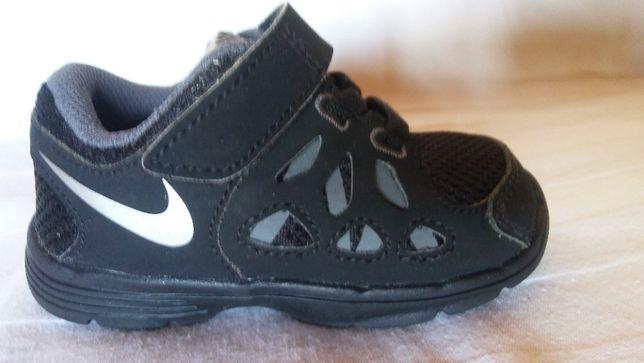 Nike roz. 21,5 ,dł.wkł. 12,5 cm- jak nowe