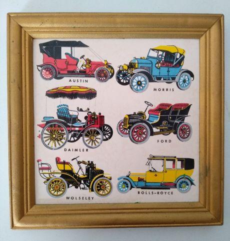 Azulejo emoldurado com carros antigos