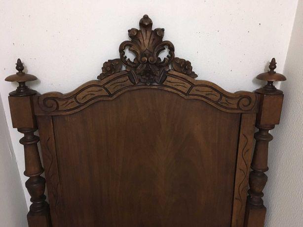 Cama madeira maciça antiga  - Solteiro