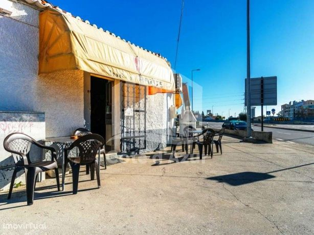 Snack Bar / Restaurante para Trespasse no Lazarim