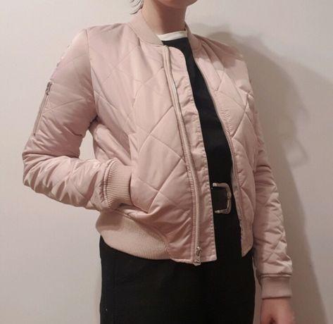 Pudrowo różowa kurtka reserved bomberka