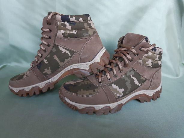 Ботинки тактические берцы кожаные пиксель с 36-45 цена розничная.