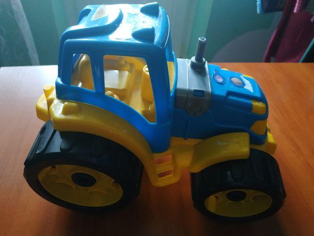 Трактор детский большой.