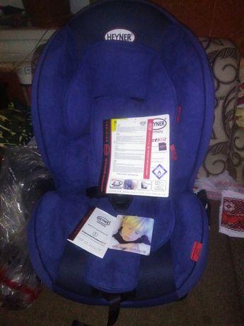 Продам новенькое детское авто кресло
