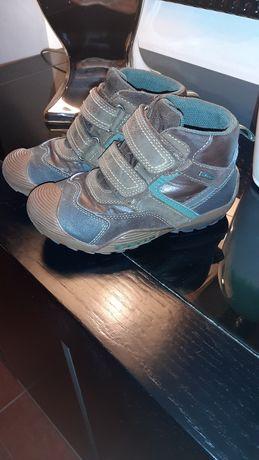 Vendo botas menino geox