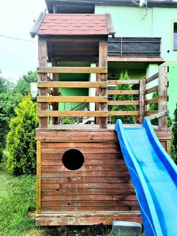 Wieża dla dzieci, drewniany domek, podest, zjeżdżalnia