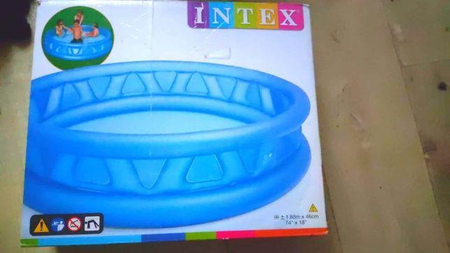 Надувной Бассейн Интекс Intex на 790 литров.