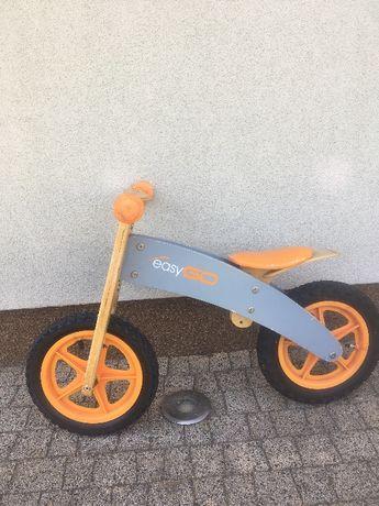 Rowerek biegowy easyGO, pompowane koła, drewniany