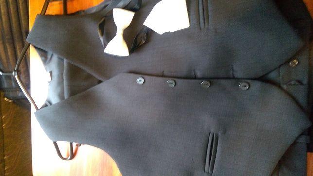 Kamizelka i dwie pary spodni