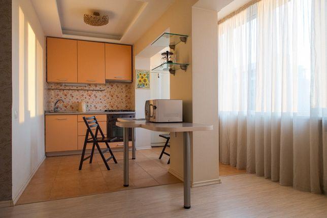 Продам однокомнатную студию с панорамными окнами Соломенская 10