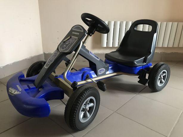 Детская машина с педалями