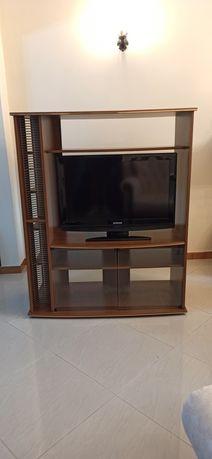 Móvel TV com prateleiras