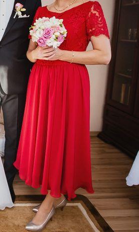 czerwona sukienka długość midi
