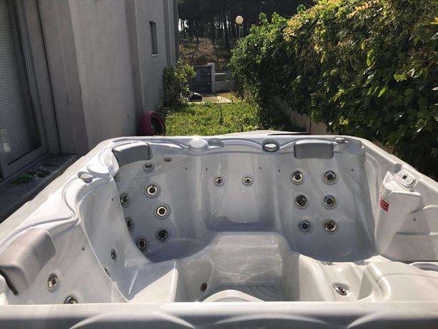 Jacuzzi spa hidromassagem cascais Loja das piscinas pluto WELLIS