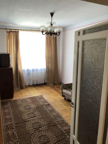 Продається трьох кімнатна квартира