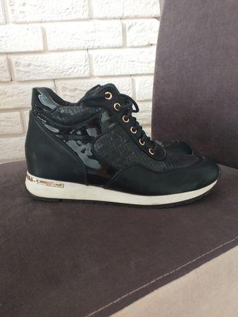 Czarne botki sneakersy