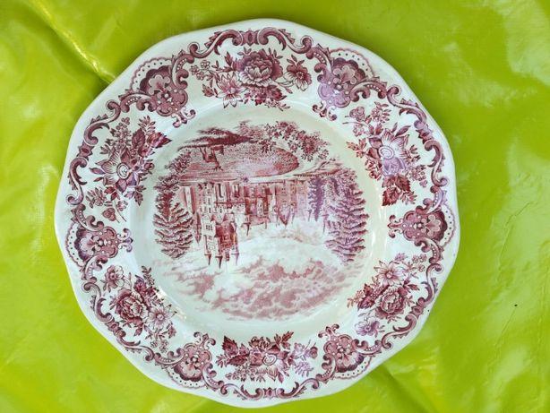 Prato pintado á mão em porcelana inglesa
