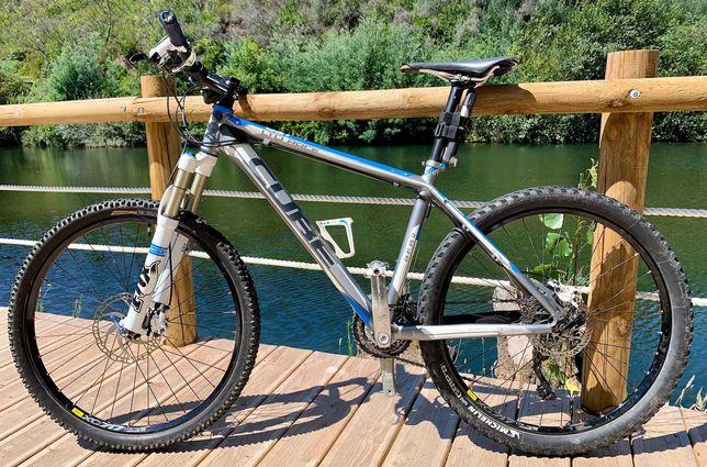 Vendo Bike Cube LTD Race, Roda 26 – 725 €