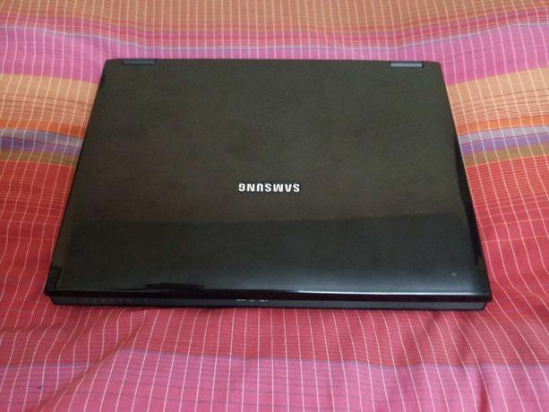Ноутбук Samsung в отличном состоянии
