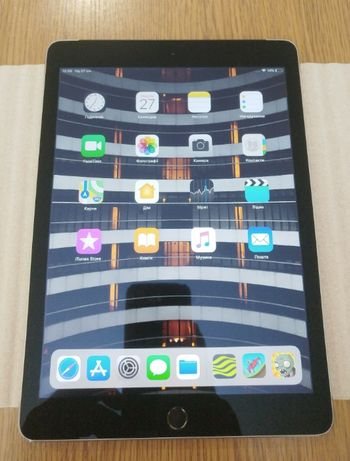 Планшет Apple iPad Air 2 Retina