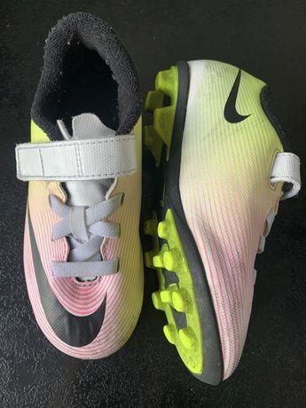 Nike buty pilkarskie korki rozm  28 dla dzieci